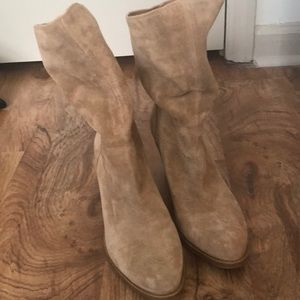 LUCKY BRAND tan suede cowboy boots.